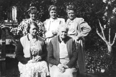 Frederikke, Oldemor, Mormor, Mor og Grete