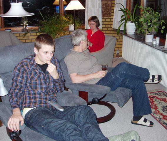 Niklas, Tove og Mona
