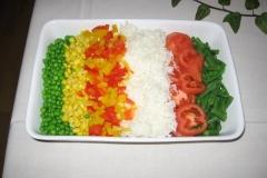 Fad med grøntsager og ris