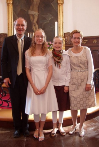 Sarah med far, mor og Ida