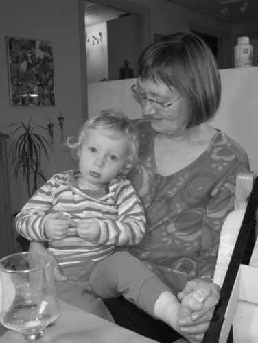 Nanna og Mona