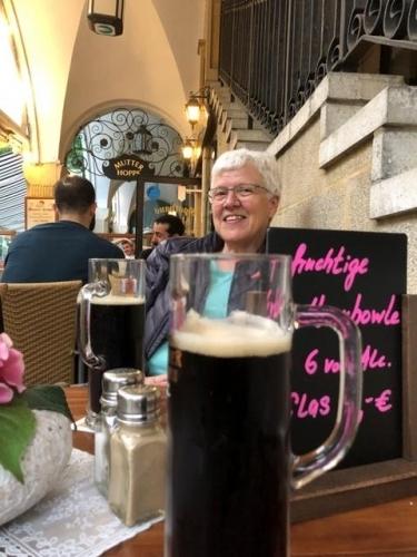 En øl i Nicolajviertel