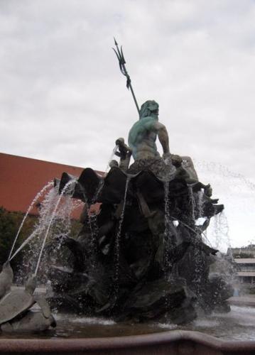 Neptun ved Mariakirken på Alexanderplatz